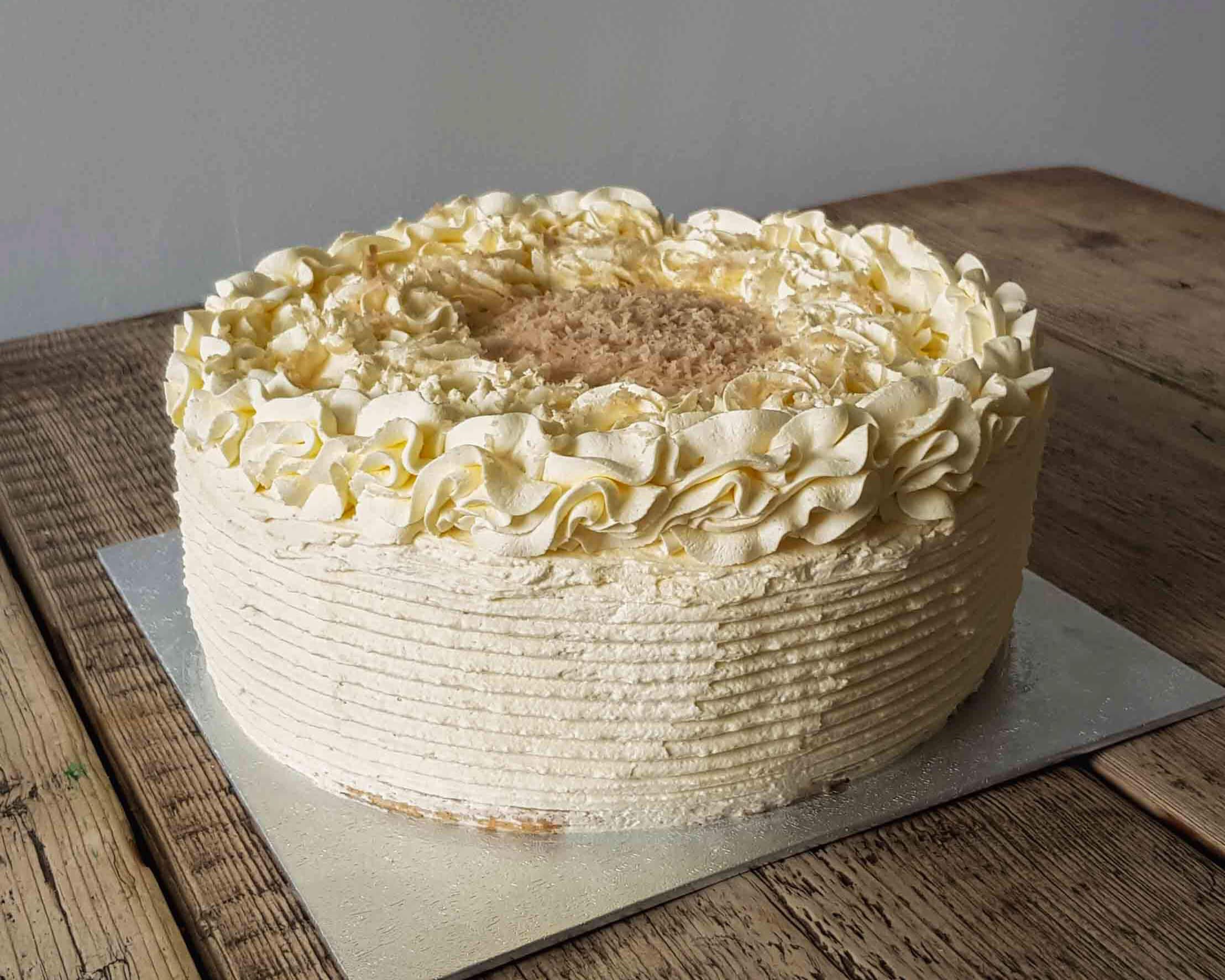 Sponge cake with bluberry mascarpone & vanilla cream